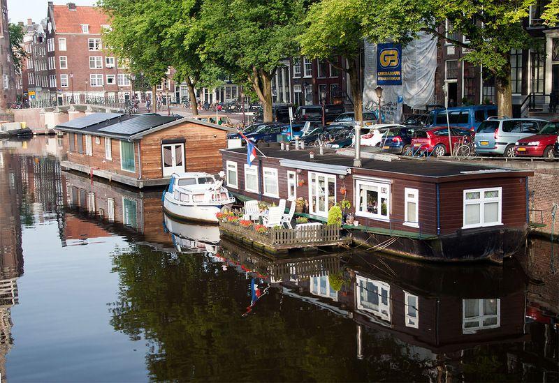 где в амстердаме познакомиться